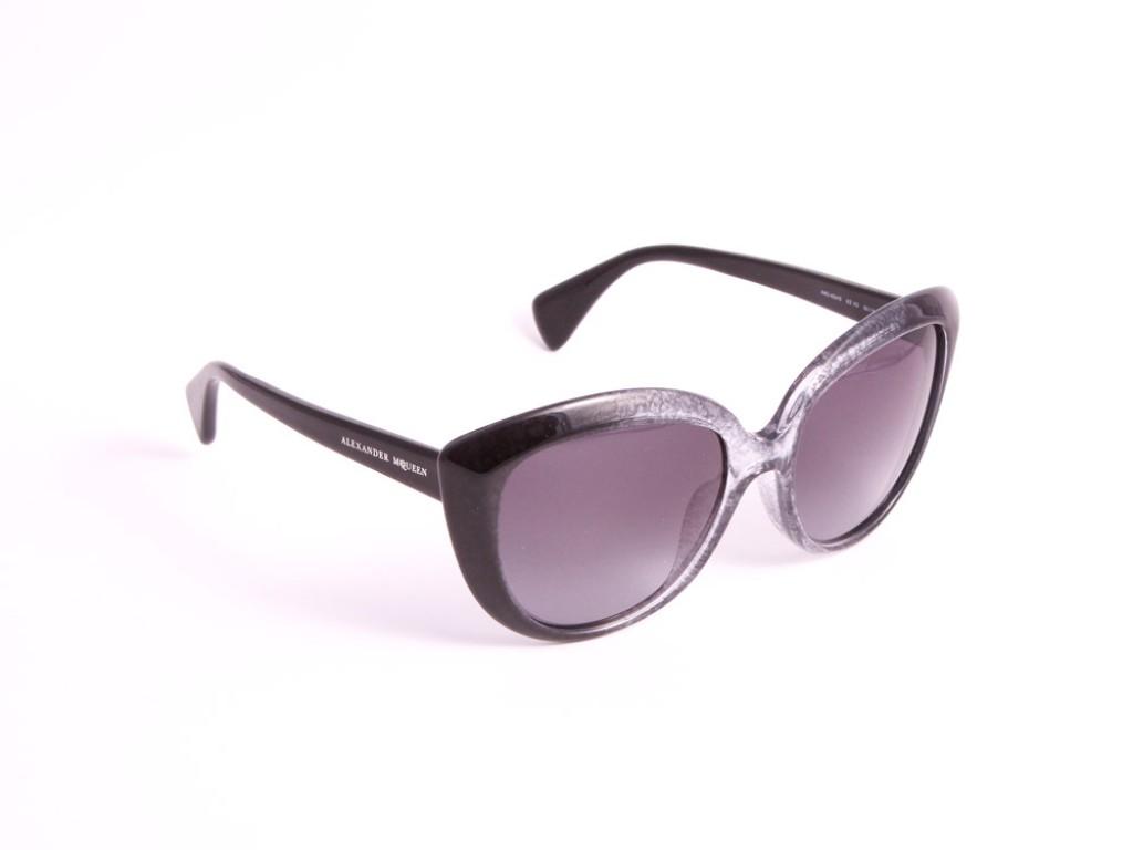 Женские солнцезащитные очки ALEXANDER MCQUEEN AMQ4234/S 21Z HD АЛЕКСАНДР МАККУИН
